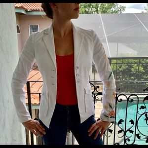 DVF White Blazer w Single Red Floral Sleeve
